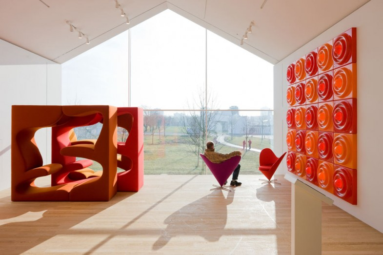 С любовь от Verner Panton. Heart Cone Chair