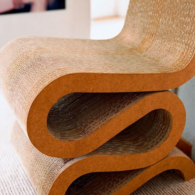 Простые линии Wiggle Side Chair_probauhaus.ru_4
