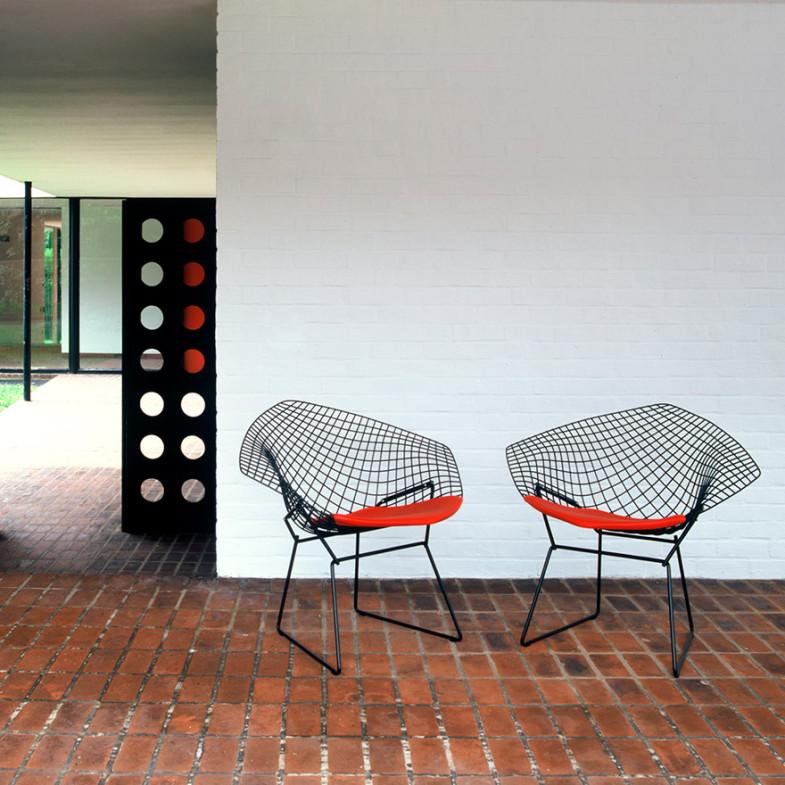 Воздушный дизайн от Diamond Chair