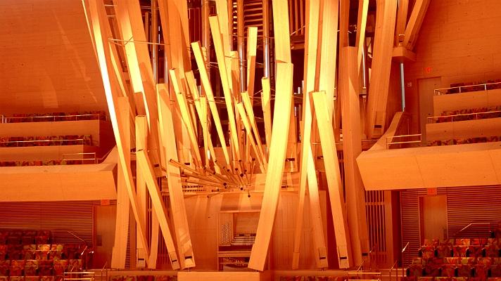 Концертный зал Уолта Диснея и новые образы городской архитектуры от Фрэнка Гэри_24