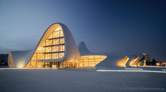 Центр Алиева и взаимодействие пространств | www.probauhaus.ru