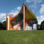 Графити Корбюзье и паломничество к модерну