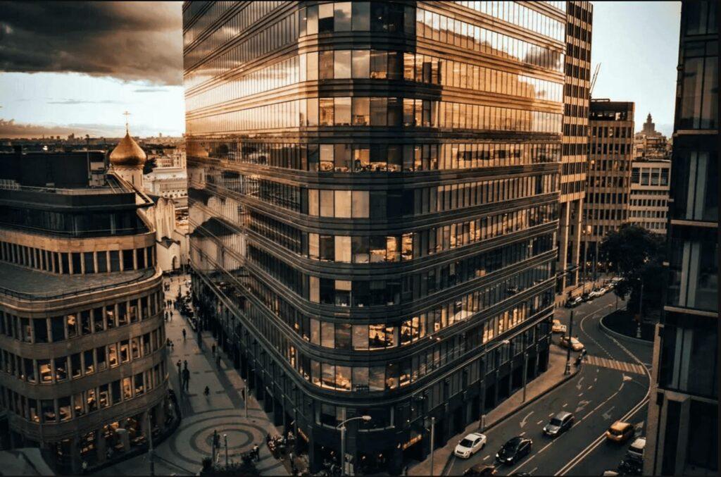 Атмосфера уникального сочетания стилей в одном из самых престижных бизнес-центров и пример успешного градостроительства современной Москвы.