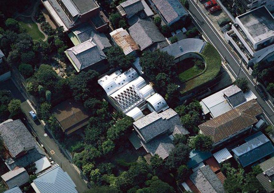 Silver Hut - оригинальное здание и дом архитектора Тойо Ито